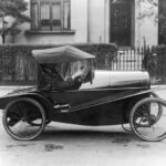 malenkii-strannyi-avtomobil